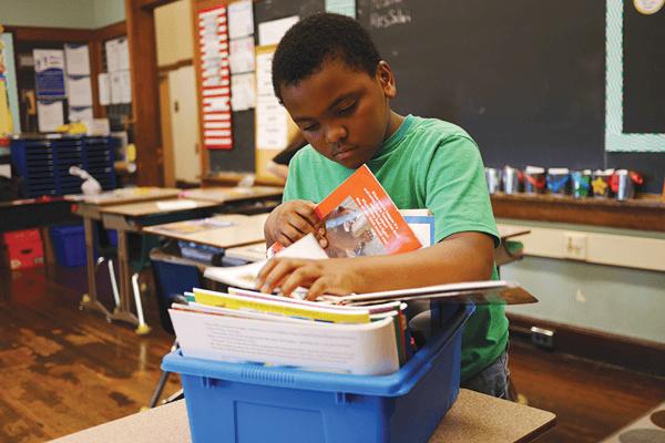 Student-Choosing-Books